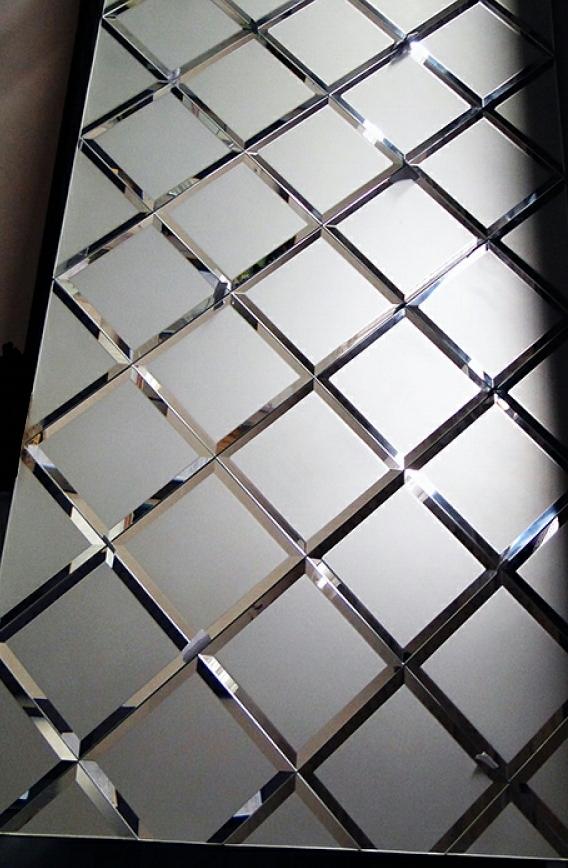 zerkalo-s-rombami