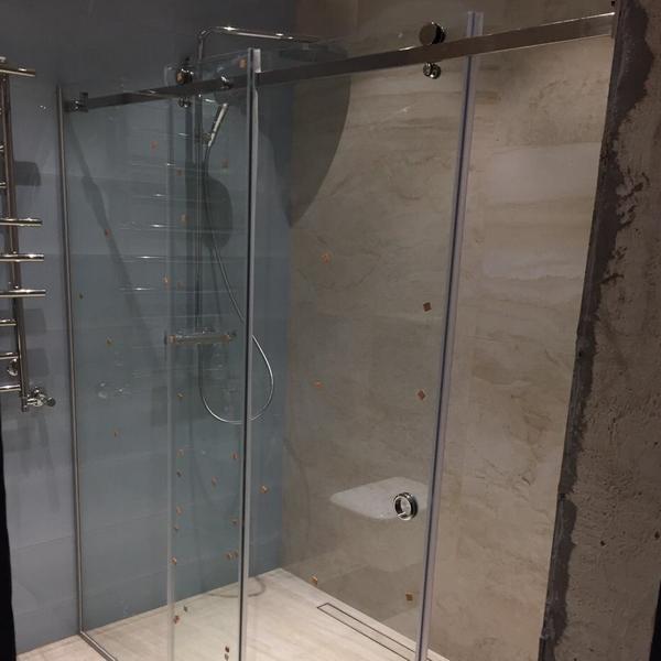 dushevie-steklannie-dveri