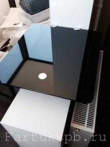 Столешница стеклянная с черной пленкой