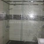 Откатная перегородка с декорированным стеклом