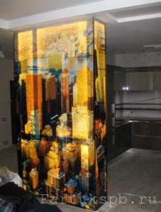 Колонна из стекла с подсветкой