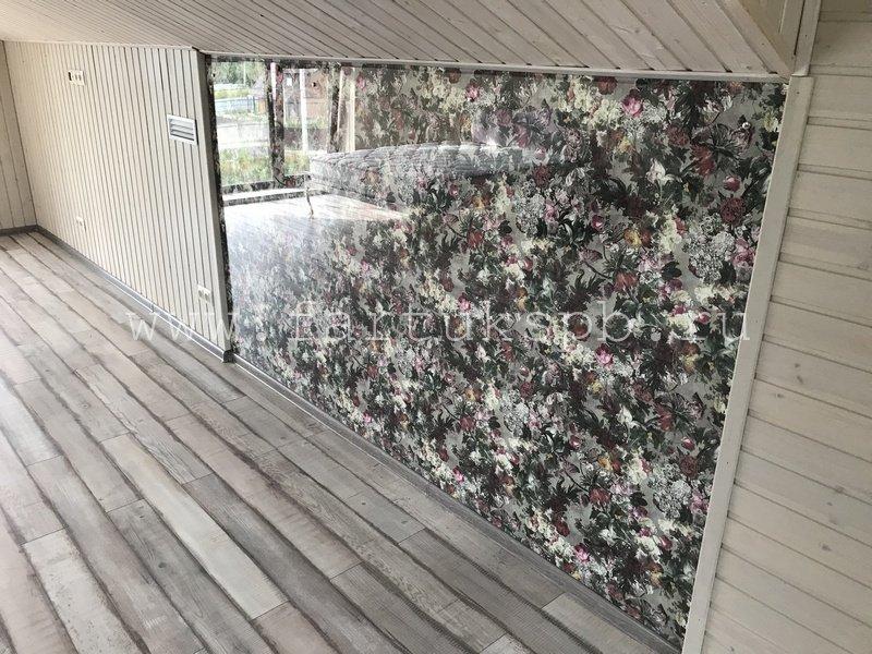 стекло на стену